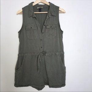Universal Thread Khaki Green Shorts Romper M